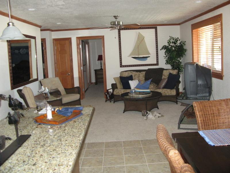 Living Room - Lake Pend O Reille, Id - Bayview - rentals