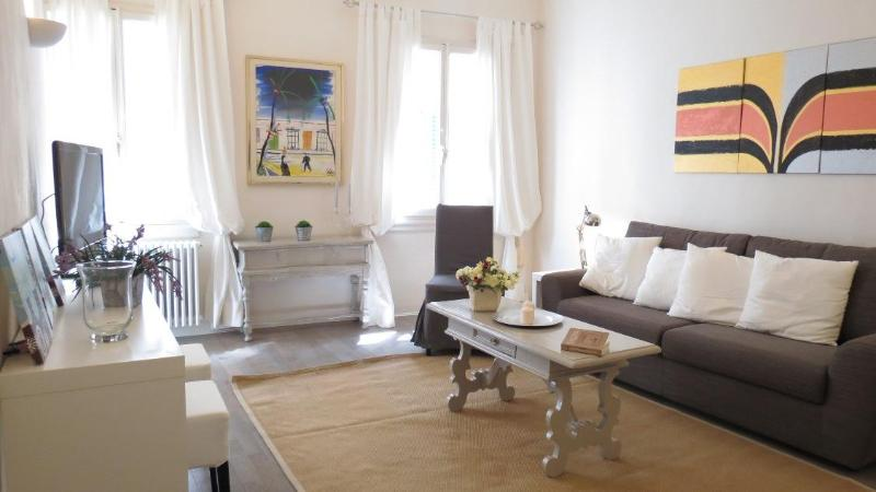 Living room - San Crocino:lovely-charming Flat - Florence - rentals