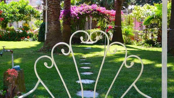 il giardino segreto - cosy room, secret garden, in the centre of Naples - Naples - rentals