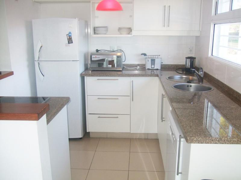 Kitchen - Comfortable and Modern Beach House Atlantida - Atlántida - rentals