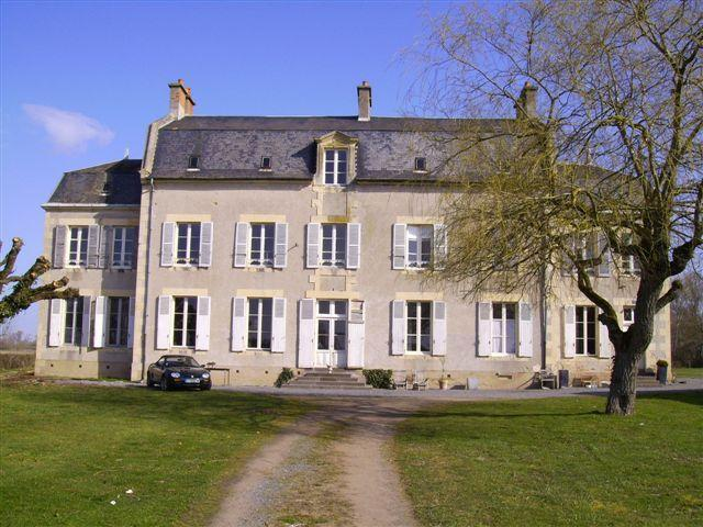 In front of the house - Bed & Breakfast Chambre d'hôtes nearby circuit de Nevers Magny-Cours - Mars-sur-Allier - rentals