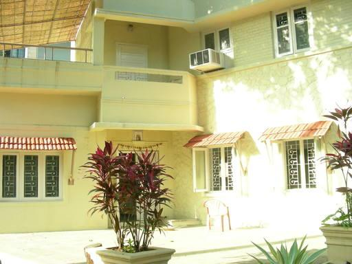 Main entrance - Green retreat in a prime locality in Pune - Pune - rentals