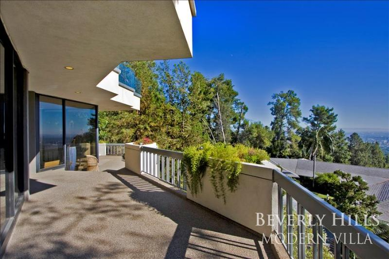 Beverly Hills Modern Viewhouse - Image 1 - Beverly Hills - rentals