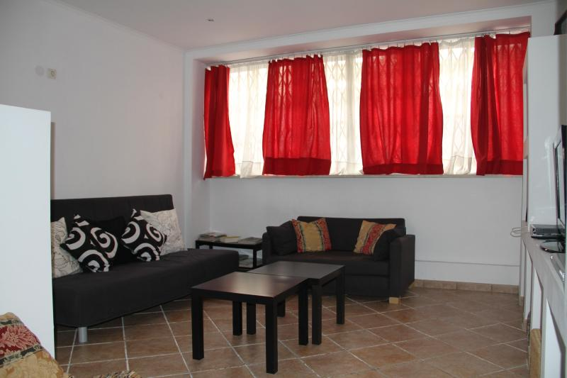Homexotic - central duplex Apartment, familiar and cozy - Bairro de Alvalade - Image 1 - Abrantes - rentals