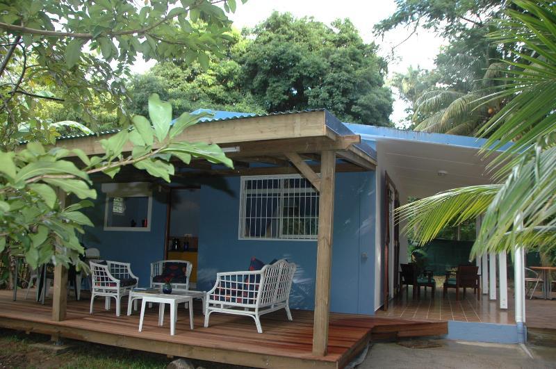 Terrasse côté jardin - Location Vacances Gite Du Manial - Pointe-Noire - rentals