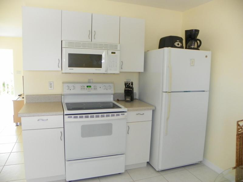 Fully equipped kitchen - Walk to Nokomis Beach - Nokomis - rentals