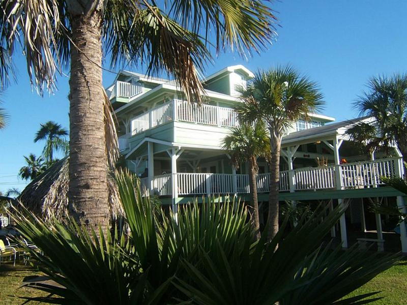 Tropical Paradise - Immaculate Waterfront Property 5 miles from Kemah - Dickinson - rentals