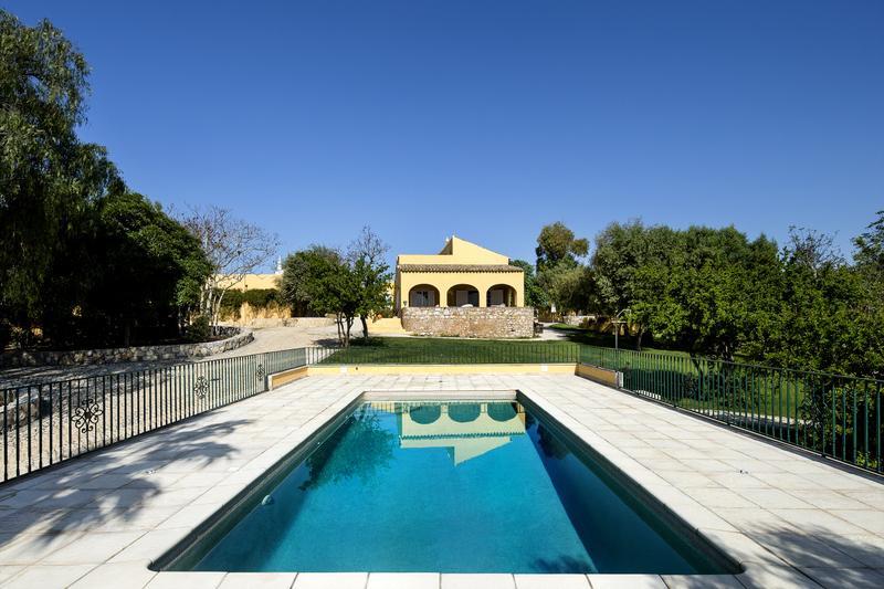 Quinta Girassol  (Sunflower Farm) - Image 1 - Faro District - rentals