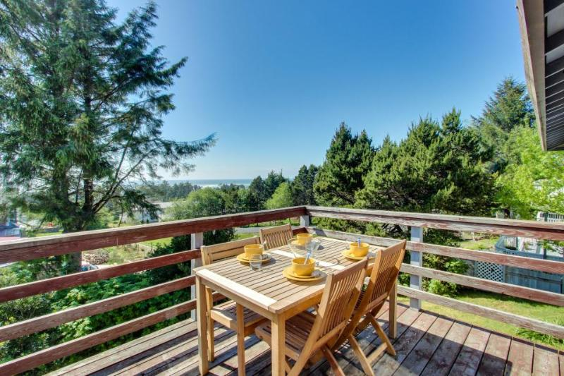 Dog-friendly home w/ a gorgeous ocean view deck, just a short walk to the beach! - Image 1 - Waldport - rentals