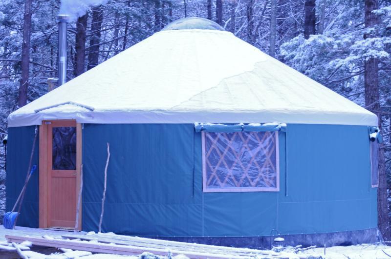 24 foot yurt - Fisher Ridge Yurt - Durham - rentals