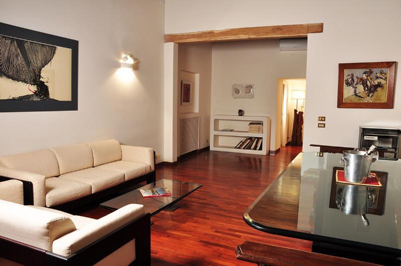 Navona Artist Terrace Apartment - Image 1 - Rome - rentals