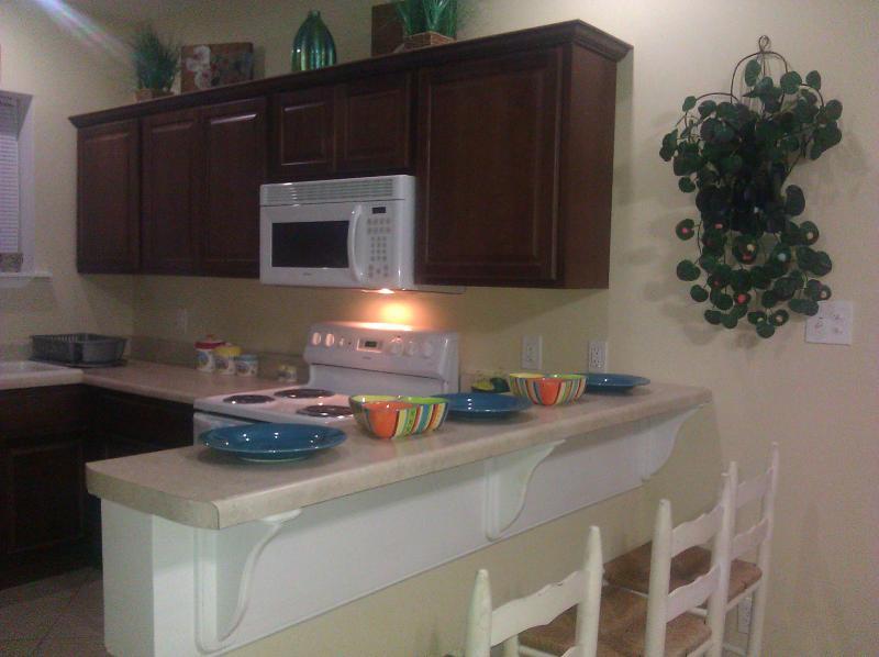 Kitchen w/ bar area - Bertha's Cottage, Tybee Island, sleeps 6-8 - Tybee Island - rentals