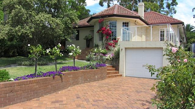 Quiet, self-contained accommodation. One bedroom, bathroom, kitchenette. Street parking. Free Wi Fi. - Jacaranda Bed and Breakfast - Manly - Balgowlah - rentals