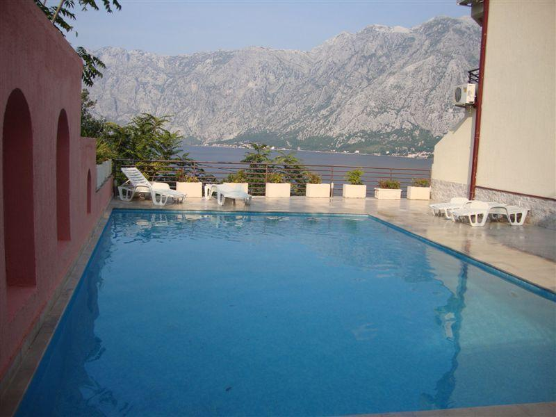 A pool with a view - Beautiful 2 bedroom apt with mountain & sea views - Tivat - rentals
