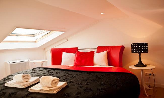 Round double bed - Alfama Duplex - Lisbon - rentals