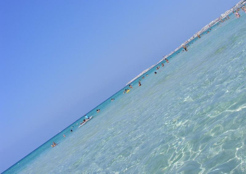 casa a Pescoluse a 500 metri dalla bellissima spiaggia delle maldive del salento 6 p.letto - Image 1 - Salve - rentals
