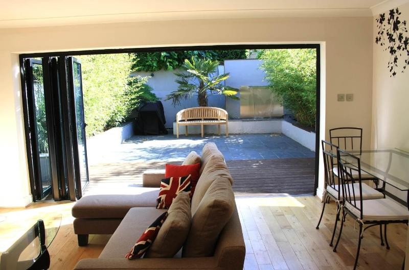 Living Space - 3bdrm home in leafy Putney-near river - London - rentals