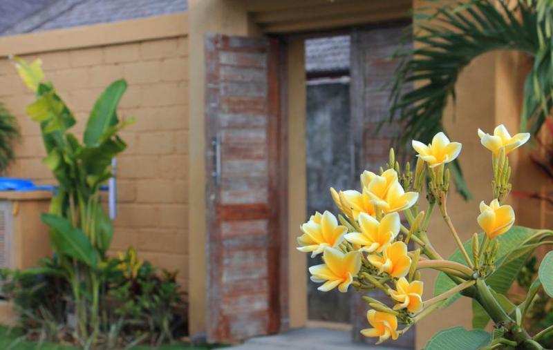 Entries - Villa Damai - Denpasar - rentals