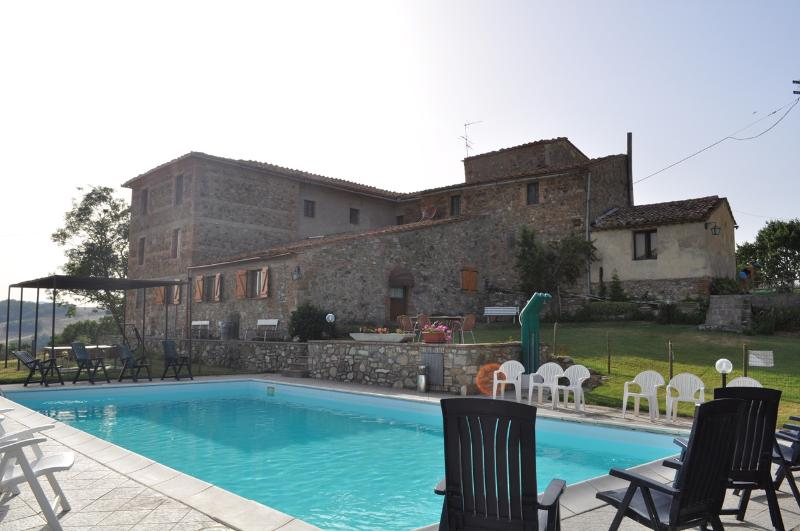 Villa with pool in Chianti Valdelsa - Image 1 - Radicondoli - rentals