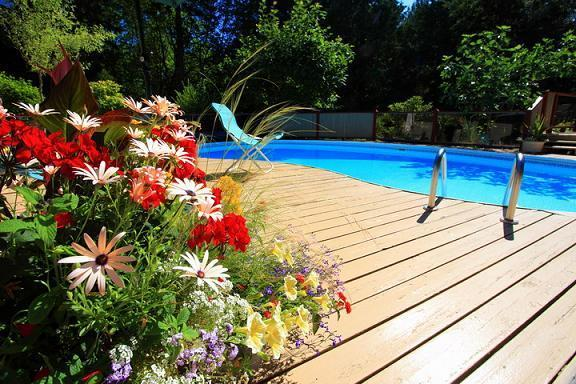 pool deck - Rosemarie's Guest House B&B: Pool View Room - Sechelt - rentals