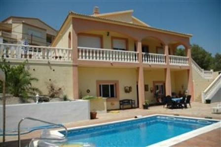 VILLA SUNSHINE, chalet  with pool, near Sitges. - Image 1 - Olivella - rentals