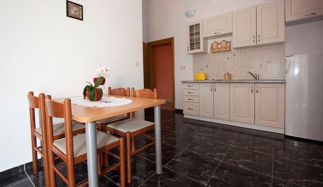 Apartment for 4 in Villa Marija - Image 1 - Novalja - rentals
