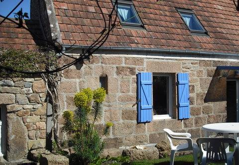 Charming cottage foot-in-the water Perros-Guirec - Image 1 - Perros-Guirec - rentals
