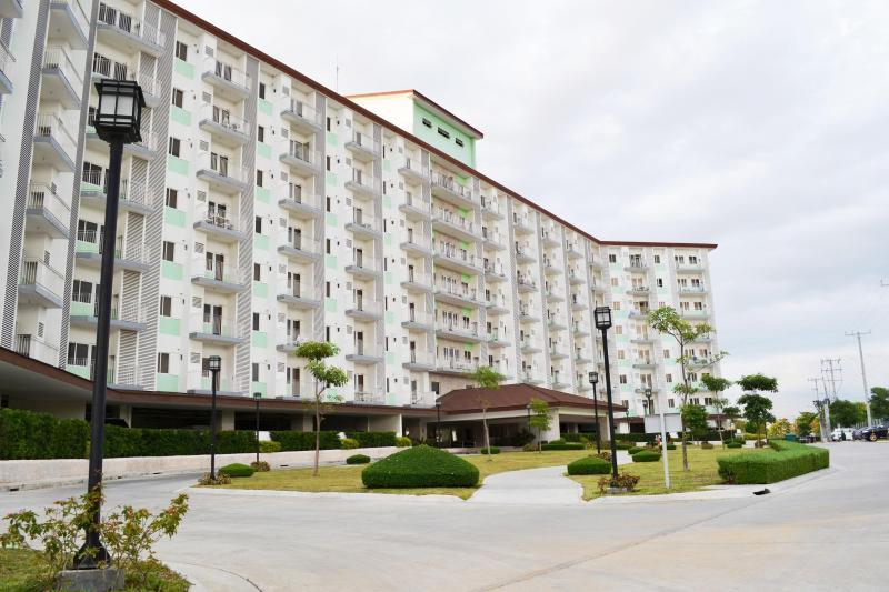 Building-II - Condo w/Balcony-Free Wifi- Near Airport - Paranaque - rentals