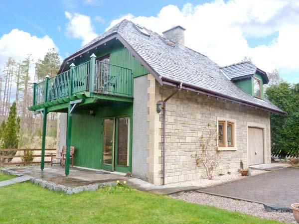JANNY'S COTTAGE, open fire, two bathrooms, close to Ski Resort, near Fort William, Ref. 25667 - Image 1 - Fort William - rentals