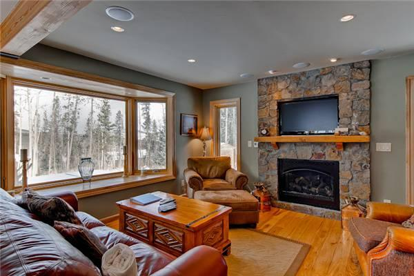Lovely Breckenridge 3 Bedroom Drive to lift - AWC - Image 1 - Breckenridge - rentals