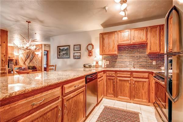 Economic Breckenridge 2 Bedroom Walk to lift - CM209 - Image 1 - Breckenridge - rentals