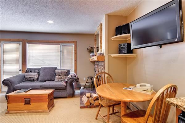 Beautifully Appointed Breckenridge Studio Walk to lift - K108 - Image 1 - Breckenridge - rentals