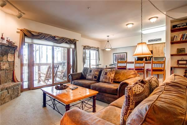 Comfortable Breckenridge 2 Bedroom Walk to lift - LPB12 - Image 1 - Breckenridge - rentals