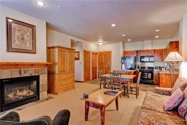 Cute Breckenridge 1 Bedroom Walk to lift - M1202 - Image 1 - Breckenridge - rentals