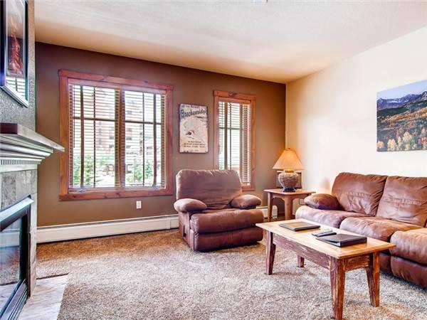 Invitingly Furnished Breckenridge 1 Bedroom Walk to lift - M1208 - Image 1 - Breckenridge - rentals