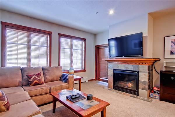 Cozy Breckenridge 1 Bedroom Walk to lift - M1213 - Image 1 - Breckenridge - rentals
