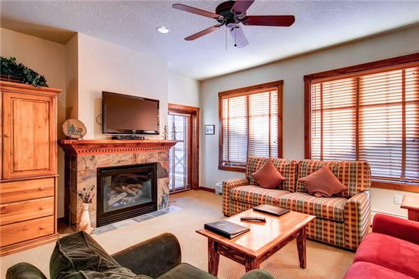 Cozy Breckenridge 1 Bedroom Walk to lift - M1214 - Image 1 - Breckenridge - rentals