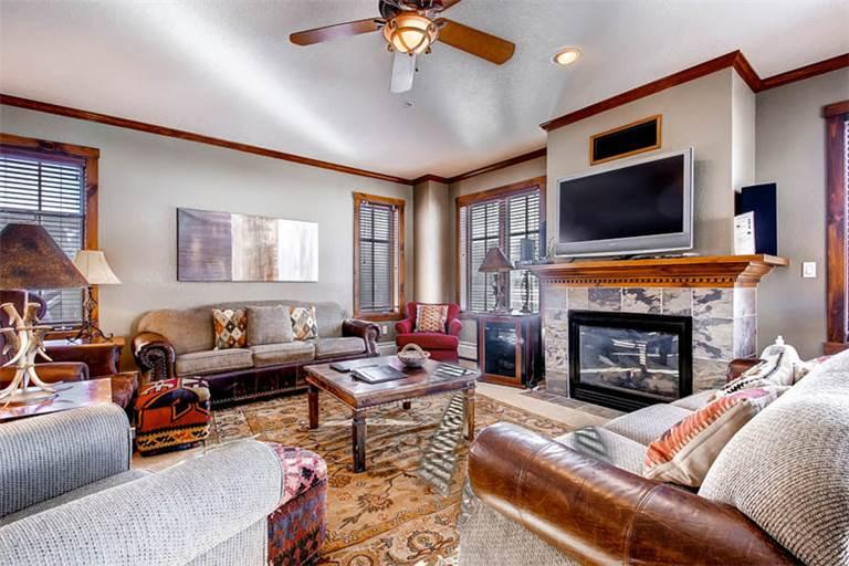 Affordably Priced Breckenridge 4 Bedroom Walk to lift - M1309 - Image 1 - Breckenridge - rentals