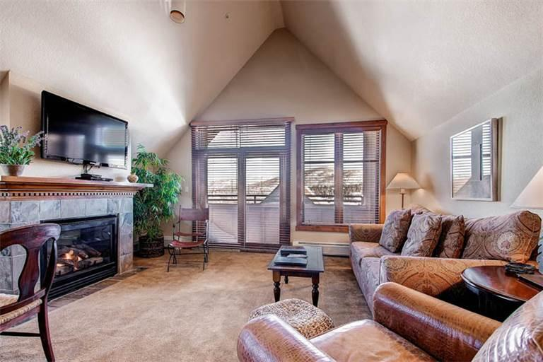 Affordably Priced Breckenridge 1 Bedroom Walk to lift - M1401 - Image 1 - Breckenridge - rentals
