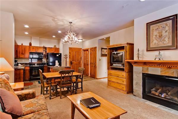 Affordably Priced Breckenridge 1 Bedroom Walk to lift - M1403 - Image 1 - Breckenridge - rentals