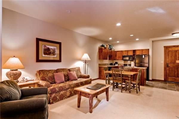 Inviting Breckenridge 1 Bedroom Walk to lift - M1409 - Image 1 - Breckenridge - rentals