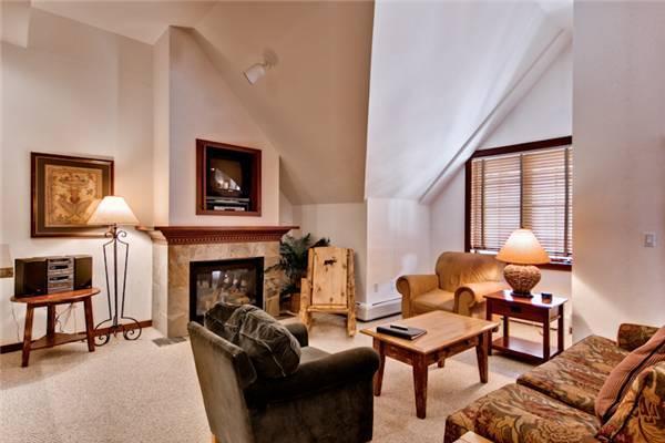 Convenient Breckenridge 2 Bedroom Walk to lift - M1502 - Image 1 - Breckenridge - rentals