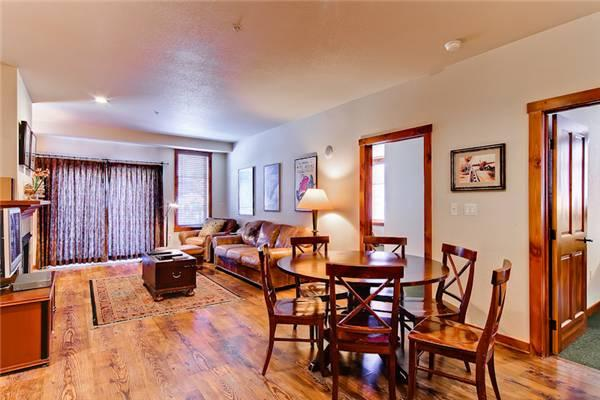 Appealing Breckenridge 3 Bedroom Walk to lift - M2204 - Image 1 - Breckenridge - rentals
