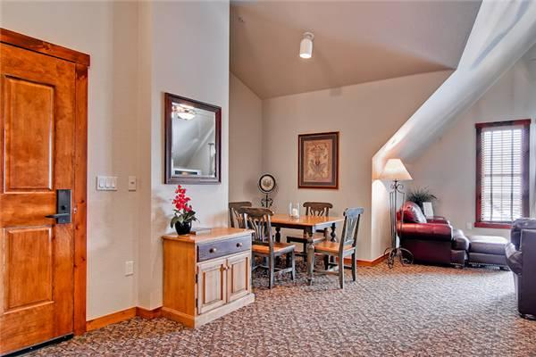 Comfortable Breckenridge 1 Bedroom Walk to lift - M2405 - Image 1 - Breckenridge - rentals