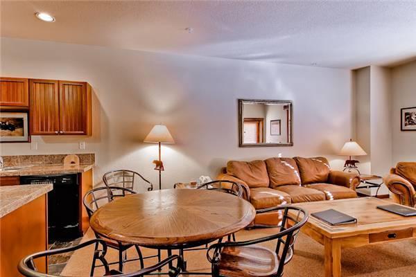 Comfortable Breckenridge 1 Bedroom Walk to lift - M3303 - Image 1 - Breckenridge - rentals