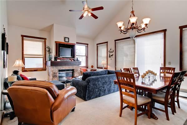 Economically Priced Breckenridge 3 Bedroom Free shuttle to lift - MJ24 - Image 1 - Breckenridge - rentals
