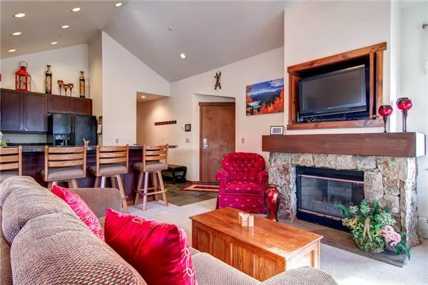 Perfectly Priced Breckenridge 3 Bedroom Walk to lift - MJ6 - Image 1 - Breckenridge - rentals