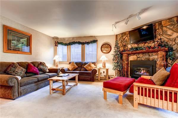 Conveniently Located Breckenridge 2 Bedroom Free shuttle to lift - PC201 - Image 1 - Breckenridge - rentals