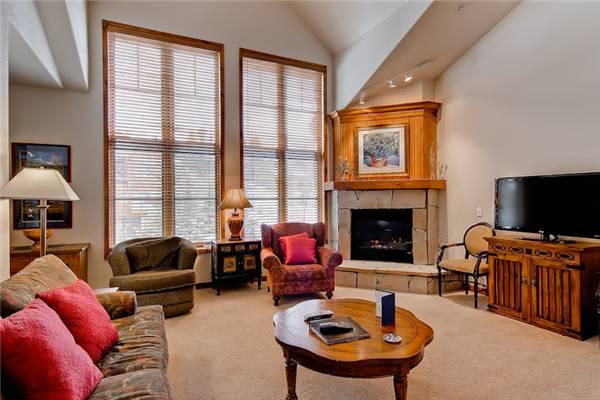 Beautiful Breckenridge 2 Bedroom Ski-in - RB219 - Image 1 - Breckenridge - rentals
