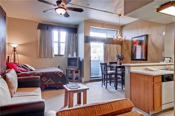 River Mountain Lodge #E102 - Image 1 - Breckenridge - rentals
